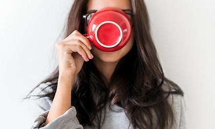 Πώς θα «ξυπνήσει» το μυαλό σου χωρίς να πιείς καφέ