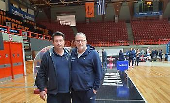 Ο Έλληνας πρώην προπονητής της Αλβανίας στις προπονήσεις της Εθνικής