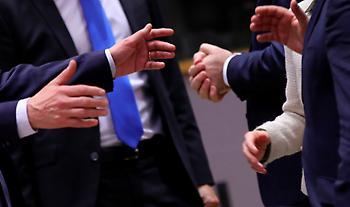 Σύνοδος Κορυφής: Διαπραγματεύσεις μέχρι τελικής πτώσης – «Τα στρατόπεδα»