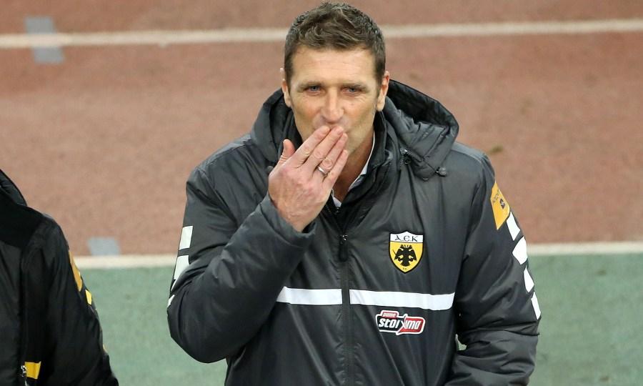 Τσακίρης: «Απόλυτα θετικός να συνεχίσει και μετά το καλοκαίρι στην ΑΕΚ ο Καρέρα»
