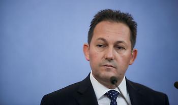 Πέτσας: «Θα αποβάλλονται ομάδες από την Ευρώπη για δηλώσεις μίσους»