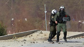 Με εντολή Μητσοτάκη αποσύρονται οι δυνάμεις των ΜΑΤ από Λέσβο - Χίο