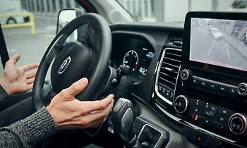 Νέες τεχνολογίες υποβοήθησης στάθμευσης του Ford Transit