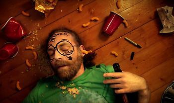 Hangover: Τι πρέπει να φας για να συνέλθεις γρήγορα