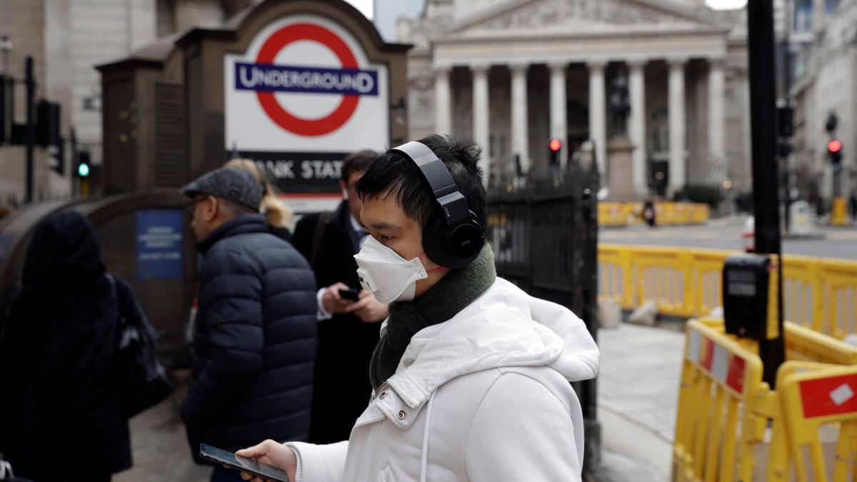 Τι είναι τα νέα τεστ αντισωμάτων κορωνοϊού-εξπρές, που θα στέλνει στα σπίτια η Βρετανία