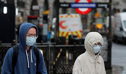 Κορωνοϊός: Θλίψη και ανησυχία στη Βρετανία από το θανάτο του υγιούς 13χρονου