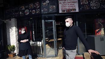 Κορωνοϊός: Γιατί ο Ερντογάν δεν επιβάλλει απαγόρευση κυκλοφορίας στην Τουρκία
