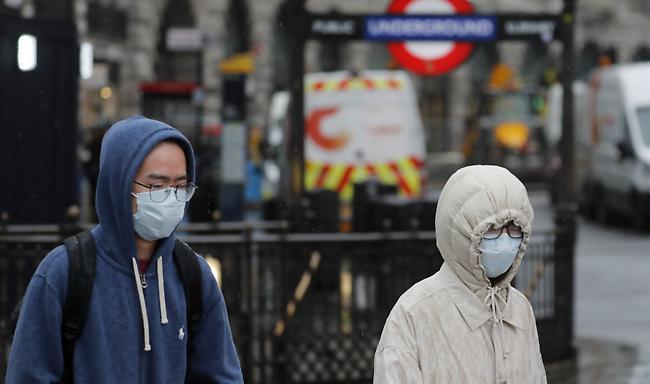 Κορωνοϊός: Συν 569 νεκροί στη Βρετανία, πλησιάζουν τους 3.000