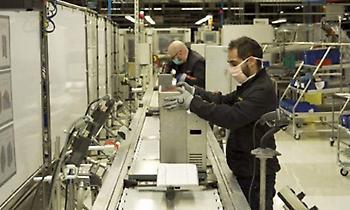 Από την παραγωγή αυτοκινήτων στην παραγωγή αναπνευστήρων