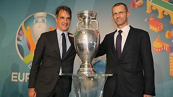 Αντιπρόεδρος UEFA: «Πρόβλημα για τις διεθνείς διοργανώσεις αν δεν συνεχιστούν τα πρωταθλήματα»