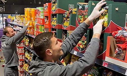Παίκτες της Βόλφσμπουργκ έπιασαν δουλειά… σε super market!