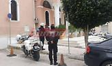 Πάτρα: Πιστοί συνέρρευσαν σε εκκλησία – Η αστυνομία έκοψε πρόστιμα