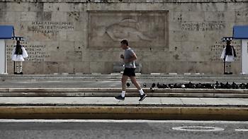 Times για κορωνοϊό: Οι Ελληνες δείχνουν τη νηφάλια πλευρά της απείθαρχης φύσης τους