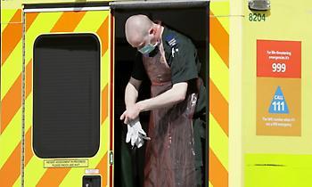 854 τα θύματα του κορωνοϊού στη Βρετανία το τελευταίο 24ωρο