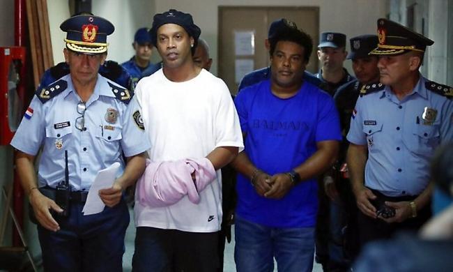 Βγαίνει από τη φυλακή ο Ροναλντίνιο