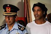 Το αποχαιρετιστήριο μπάρμπεκιου του Ροναλντίνιο στη φυλακή (pics)