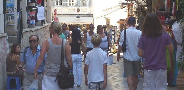 Κολακεύει την τουριστική Ελλάδα ο καναδικός Τύπος