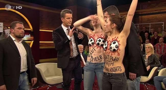 Γυμνή διαμαρτυρία κατά FIFA στη γερμανική TV (video)