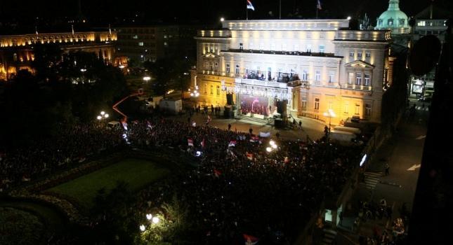 «Κάηκε» το Βελιγράδι για τους Σέρβους! (video)