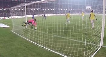 «Κόλλησε» στα δίχτυα ο Τζέιμς! (video)