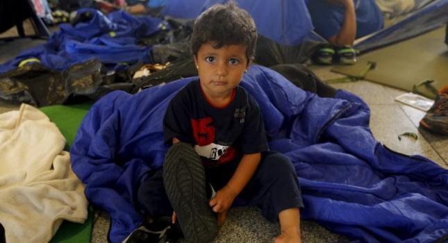 Αυστρία: Σε κρίσιμη κατάσταση τρία παιδιά που βρέθηκαν σε φορτηγό με μετανάστες