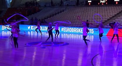 Κορίτσια, μόνα... χορεύουν (Web TV)