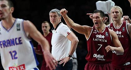 Μπλουμς: «Θα παλέψουμε με Ελλάδα για το Προολυμπιακό»