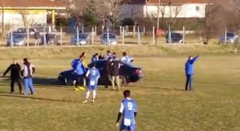 Απίστευτο: Τραυματίας σε ματς στο Κιλκίς αποχώρησε από τον αγωνιστικό χώρο με BMW (video)
