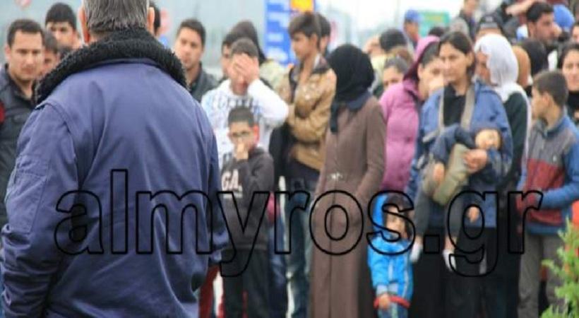 Βόλος: 500 πρόσφυγες εγκλωβίστηκαν στην εθνική οδό, 4 μέρες - Εξαλλος ο δήμαρχος (pics)