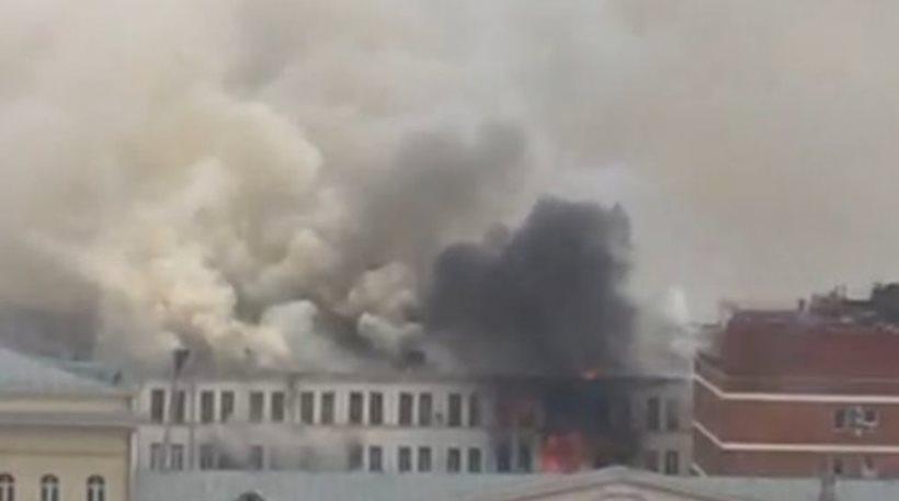 Ρωσία: Πυρκαγιά ξέσπασε στα κεντρικά του υπουργείου Εξωτερικών στη Μόσχα