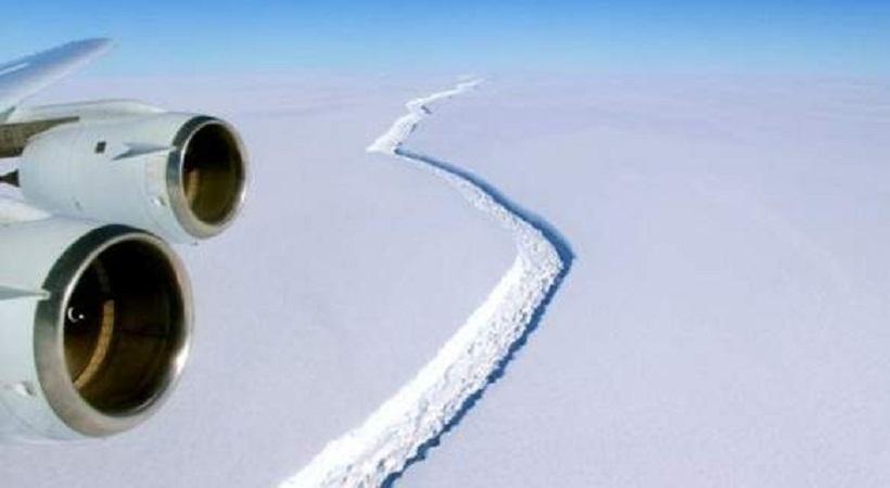 Παγόβουνο μιάμιση φορά σαν την Εύβοια είναι έτοιμο να αποκολληθεί από την Ανταρκτική (pics/video)