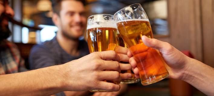 Ο πιο γρήγορος τρόπος να παγώσετε μια μπύρα (video)