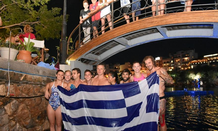 Με νυκτερινές καταδύσεις η αφετηρία στο «Agios Nikolaos Cliff Diving 2018» (pics/video)