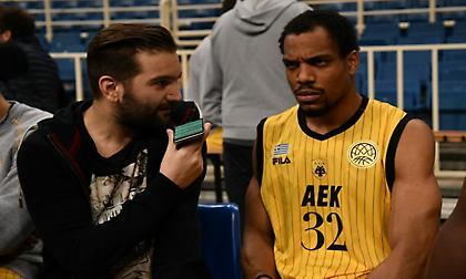 Χάντερ στο sportfm.gr: «Μας μαθαίνει πολλά ο Μπάνκι»
