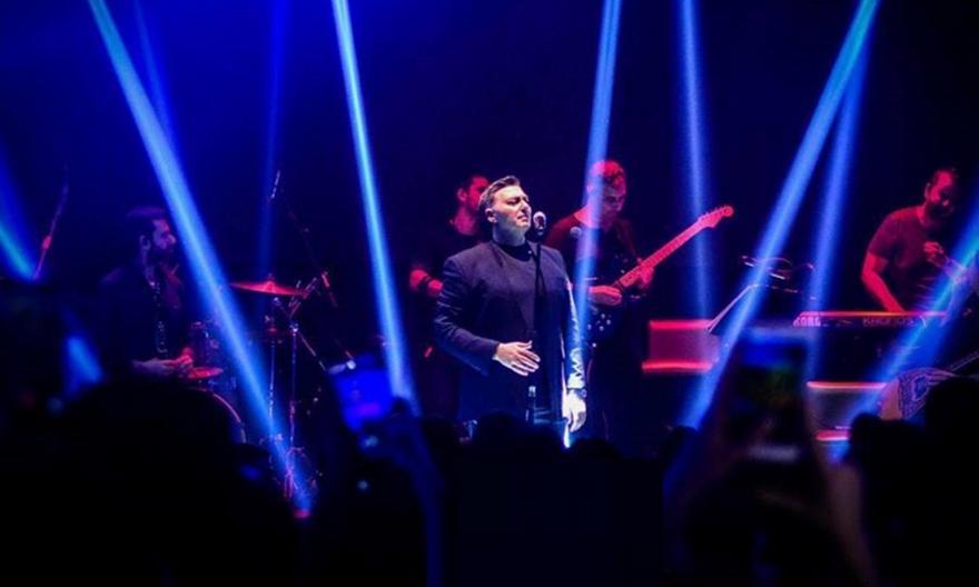 Ντελίριο με Μακρόπουλο στην Κέρκυρα – Sold out 2.500 θεατών!