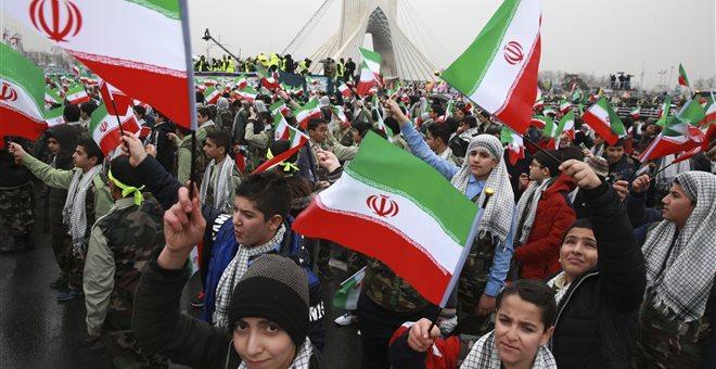 Ιράν: Οι Φρουροί της Επανάστασης καλούν τις αμερικανικές δυνάμεις να φύγουν