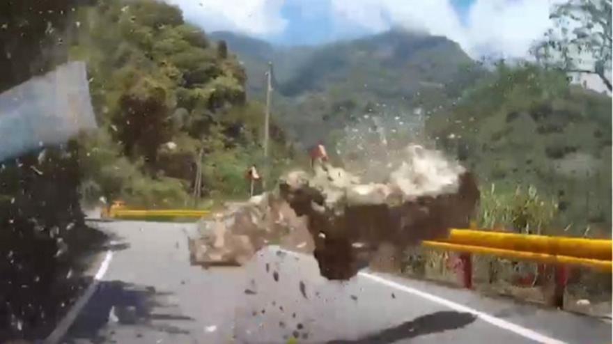 Σεισμός στην Ταϊβάν: Βίντεο που κόβουν την ανάσα - Σκίστηκε στα δύο ουρανοξύστης από τα 6,1 Ρίχτερ