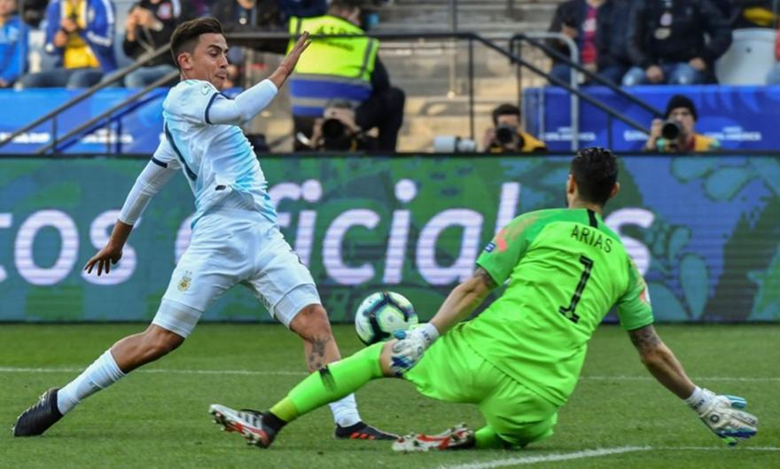 Γκολάρα από Ντιμπάλα και 2-0 η Αργεντινή (video)