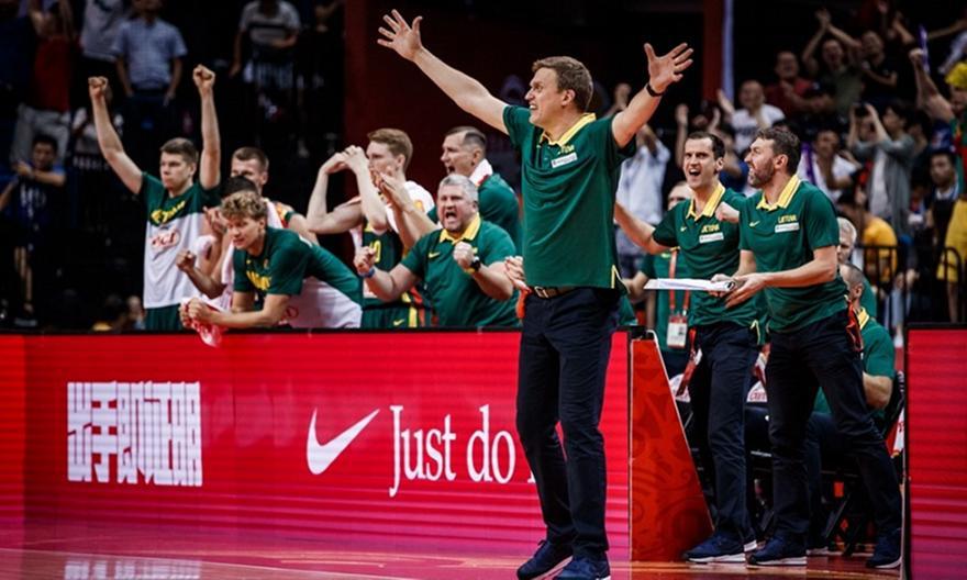 «Έκρηξη» του προπονητή της Λιθουανίας για τη διαιτησία: «Ήταν ένα γ…ο αστείο!» (video)
