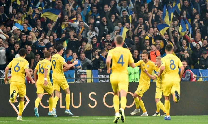 «Καθάρισε» την Πορτογαλία και σφράγισε την πρόκριση η Ουκρανία, στο κόλπο η Σερβία