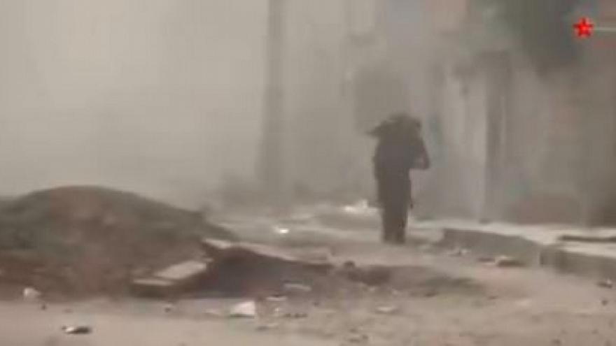 Βίντεο με Κούρδους μαχητές να σώζουν συντρόφους τους από τουρκικές δυνάμεις