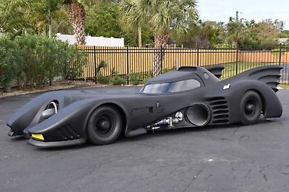 Σικάγο: Ένας άνδρας κατασκεύασε το δικό του «Batmobile»