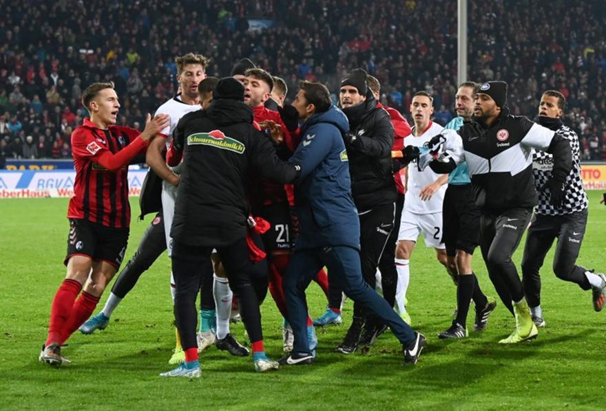 Κίνηση κατς ποδοσφαιριστή σε προπονητή στην Bundesliga (video)