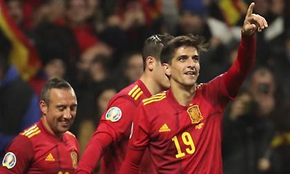 Εύκολες νίκες για Ισπανία και Σουηδία