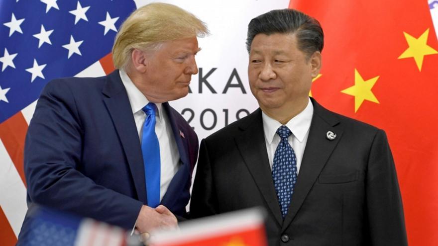 Τραμπ: Σπασμένο αυγό η Κίνα, να κάνει συμφωνία που μού αρέσει, αλλιώς νέοι δασμοί