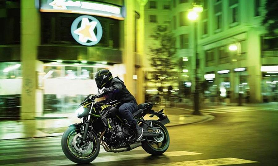 Η Kawasaki Ζ650 πλήρως εξοπλισμένη και με νέα χαρακτηριστικά