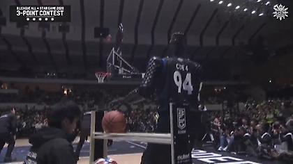 Ρομπότ έλαβε μέρος στον διαγωνισμό τριπόντων στο All Star Game της Ιαπωνίας! (video)