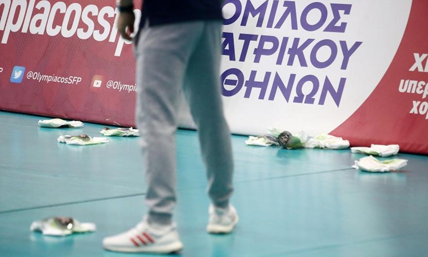 Έριξαν πάνες με το πρόσωπο του Γιαννακόπουλου στου Ρέντη (pics)