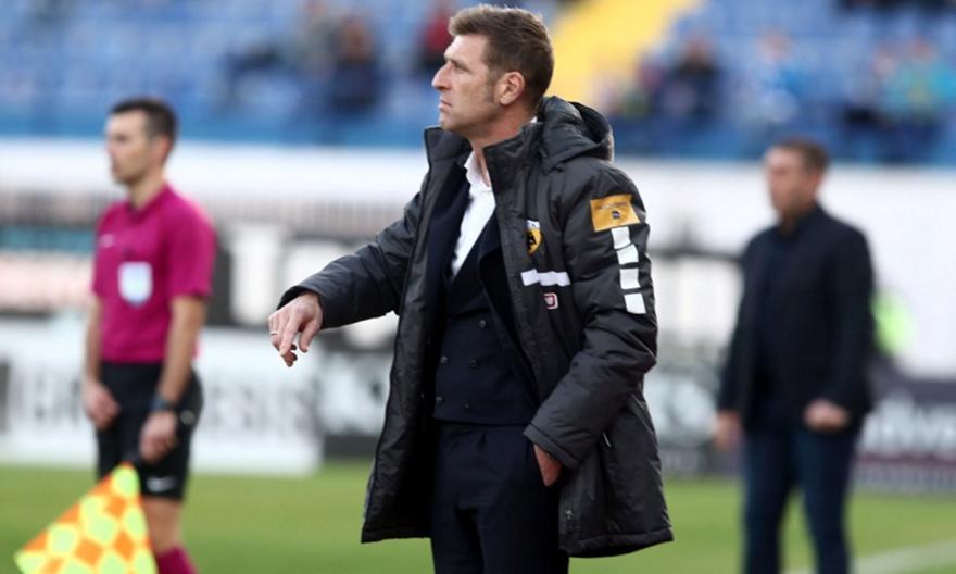 Τσακίρης: «Έχει κερδίσει τα αποδυτήρια της ΑΕΚ ο Καρέρα»