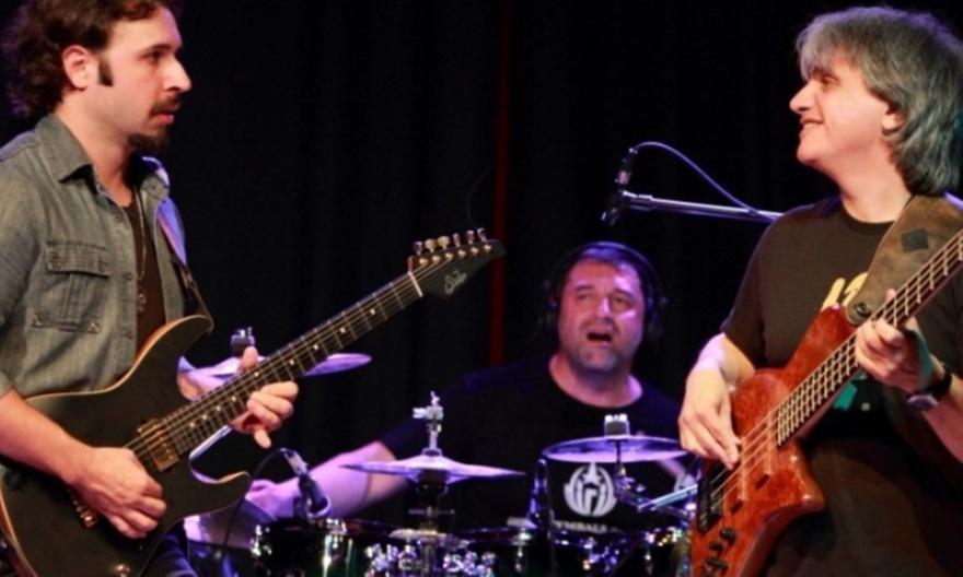 Ο «μάγος» της ηλεκτρικής κιθάρας  Nieri σε μία μοναδική συνεργασία με τον Γιώργο Φακανά